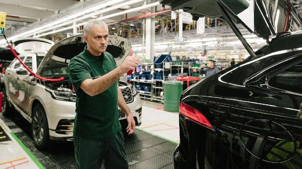 Saat Jose Mourinho Jadi Mandor di Pabrik Jaguar