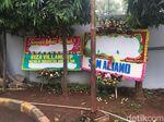 Bunga Papa Tiang Listrik di RSCM Kencana Dirusak Orang Tak Dikenal
