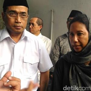 Budi Karya dan Rini Soemarno Sambangi Rumah Duka Danang Baskoro