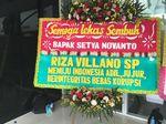 #Save Tiang Listrik, Karangan Bunga Satire Buat Novanto