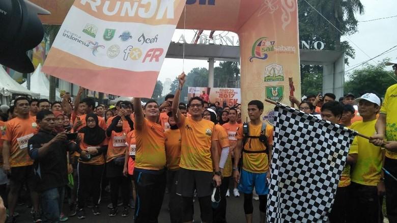 Dukung Sail Sabang, Sandiaga Lari 5K