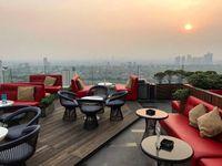 Sore Ini Enaknya Nongkrong di Resto Rooftop dengan Pemandangan Kota
