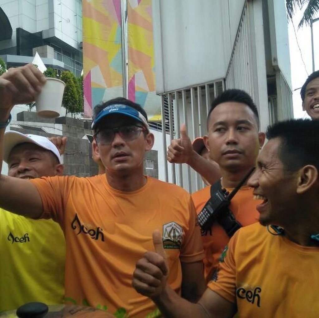 Finis Lari 5K Sail Sabang, Sandiaga Nikmati Kopi Aceh