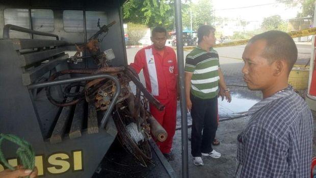Motor korban ludes terbakar