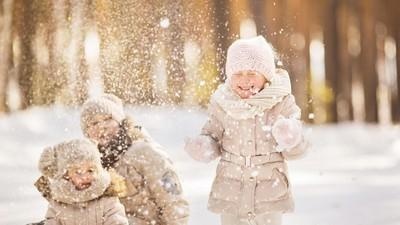 Tips Menikmati Liburan di Musim Dingin Bareng si Kecil