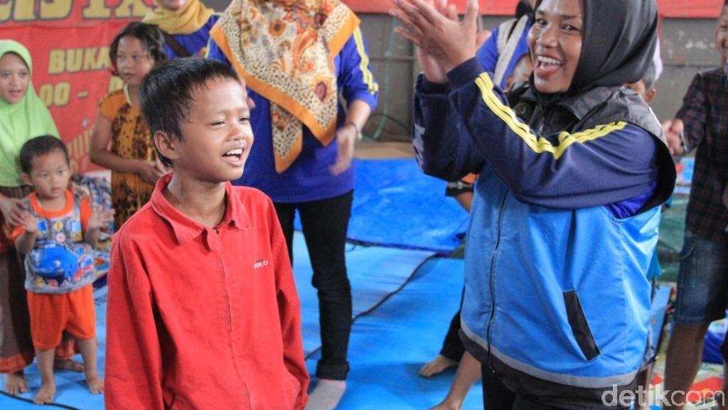 Menengok Keceriaan Bocah Korban Banjir di Kabupaten Bandung