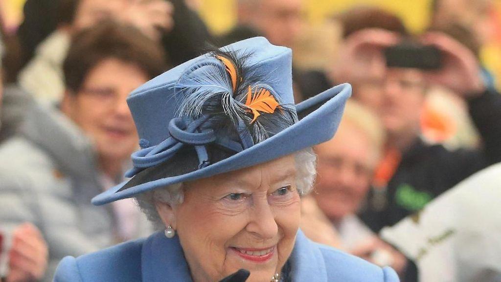 Peduli Lingkungan, Ratu Elizabeth II Batasi Pemakaian Plastik di Istana