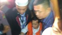 Pakai Rompi Oranye, Setya Novanto Tiba di KPK
