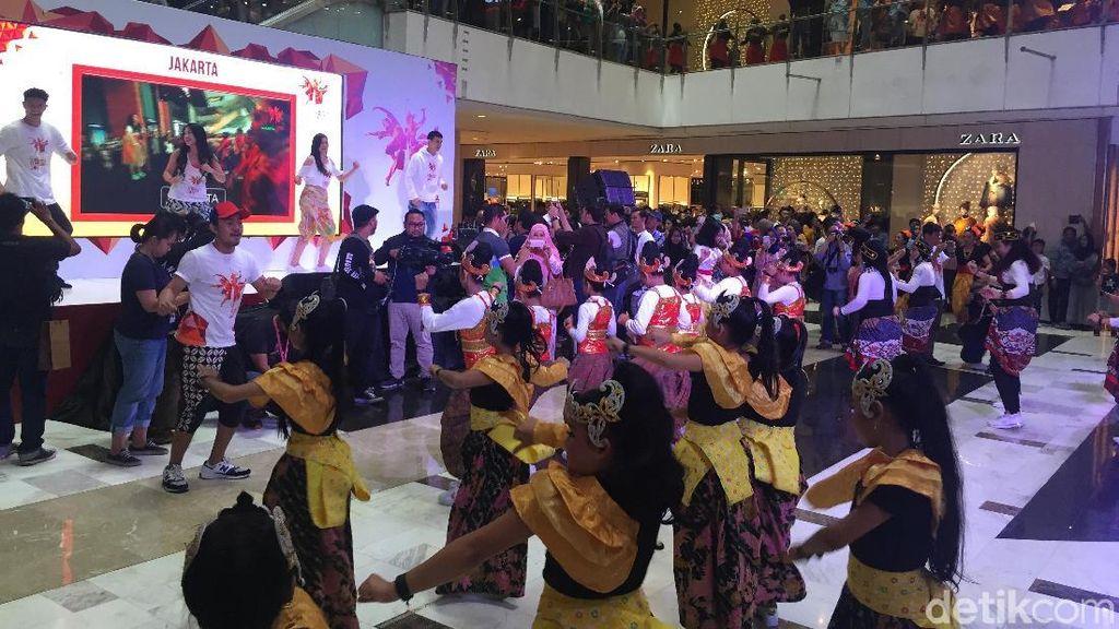 Para Artis Ditantang di Indonesia Menari