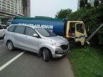 Truk Tabrak Tiang Lampu, Tol Bekasi Barat ke Jakarta Macet 3 Km