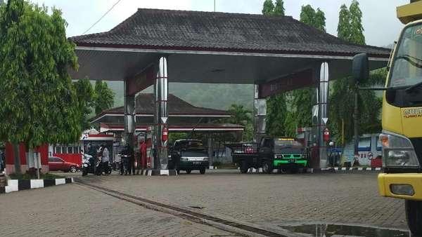 Bupati Emil Dukung Pengusutan Dugaan Korupsi SPBU di Trenggalek