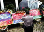 Novanto Ditahan, KPK Banjir Karangan Bunga
