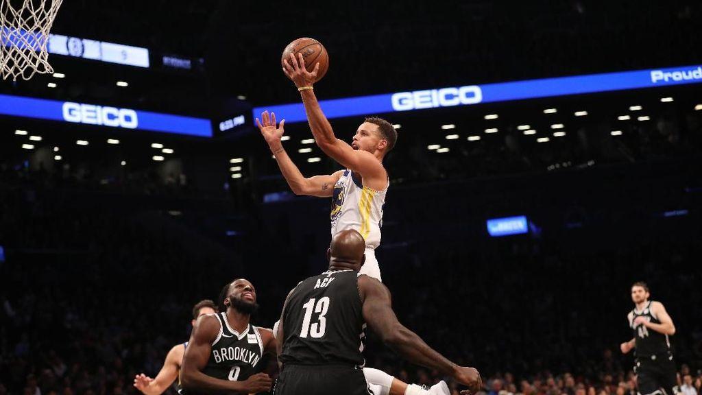 Curry 39 Poin, Warriors Tundukkan Nets