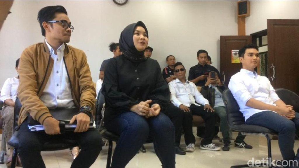Aldi Taher Ungkap Kerinduan Lewat Lagu, Georgia Anggap Biasa Saja