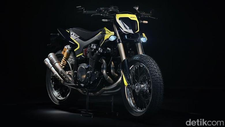 Mya, Yamaha XJR1300 Spesial untuk Valentino Rossi