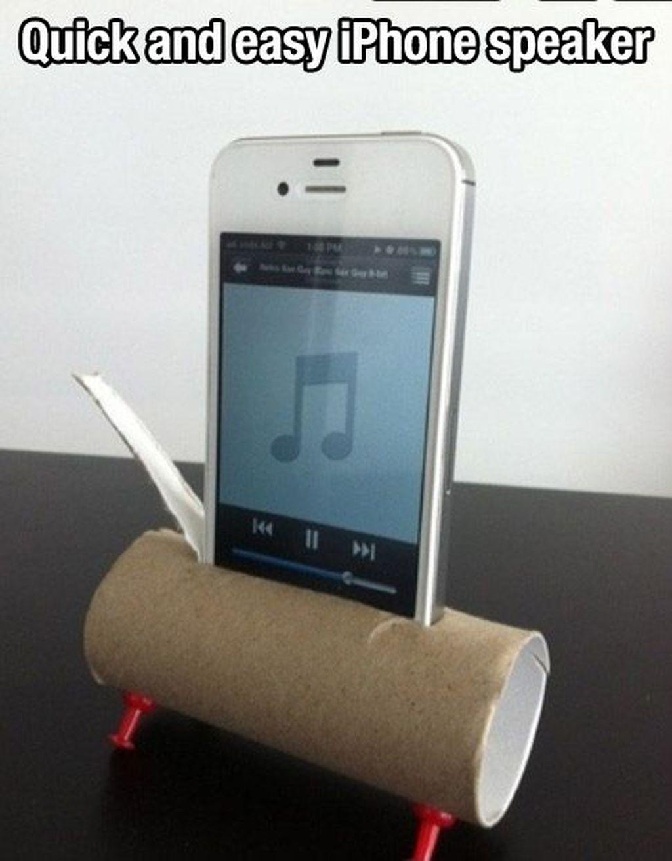 Bekas rol tisu bisa juga dijadikan alat agar suara speaker dari ponsel membesar. (Foto: tumblr)