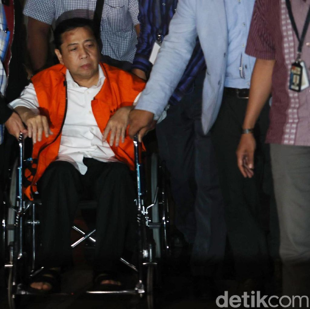 Tak Pakai Kursi Roda, Setya Novanto Dipindahkan ke Rutan KPK