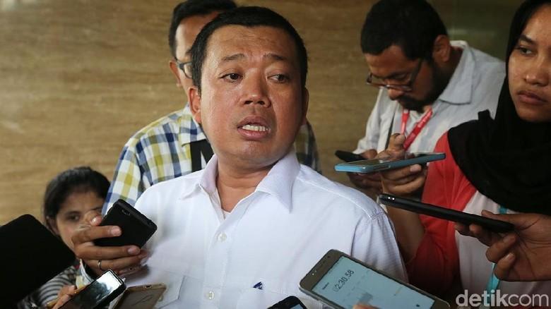 Bertemu DPD I Golkar Ajukan - Jakarta DPD I Golkar mengadakan pertemuan dengan Menteri Perindustrian Airlangga Pada kesempatan para ketua DPD I mengajukan surat