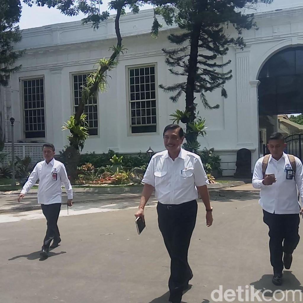 Luhut Lapor Persiapan Ngunduh Mantu Kahiyang-Bobby ke Jokowi