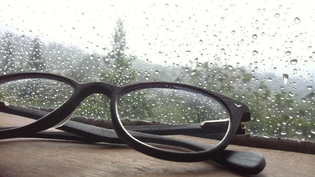 Glasses and the rain