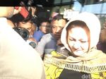 Istri Novanto Menunduk Pasca 8 Jam Diperiksa Penyidik KPK