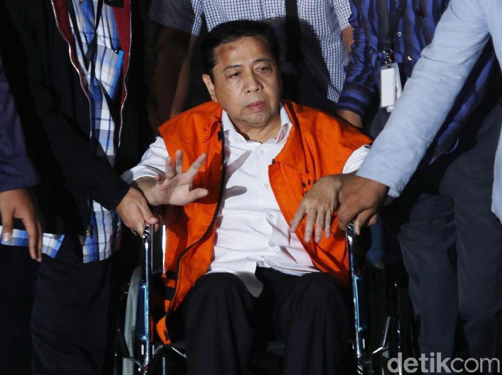 Pakai Kursi Roda, Setya Novanto Dibawa ke Rutan KPK
