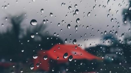 Hujan Memang Tak Mengenal Waktu