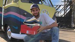 Bukan Kue, Ini Sneakers Rainbow dari Nike