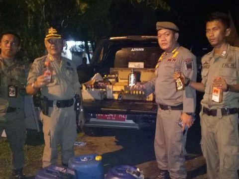 150 botol minuman keras yang terjaring razia Satpol PP Kota Palembang