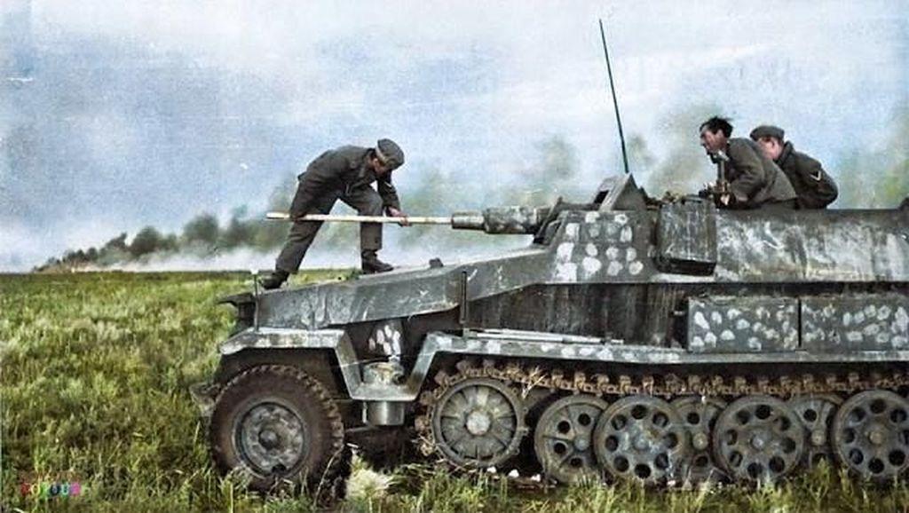 Dramatis! Perang Dunia II dalam Deretan Foto Berwarna