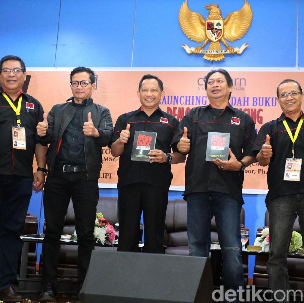Peluncuran Buku Polisi Modern dari Tito Karnavian