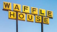 Hiii! Ada Katak Mengambang dalam Gelas Pengunjung Waffle House