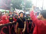 Mahasiswa Unhas Tuntut Setnov Mundur dari Ketua DPR