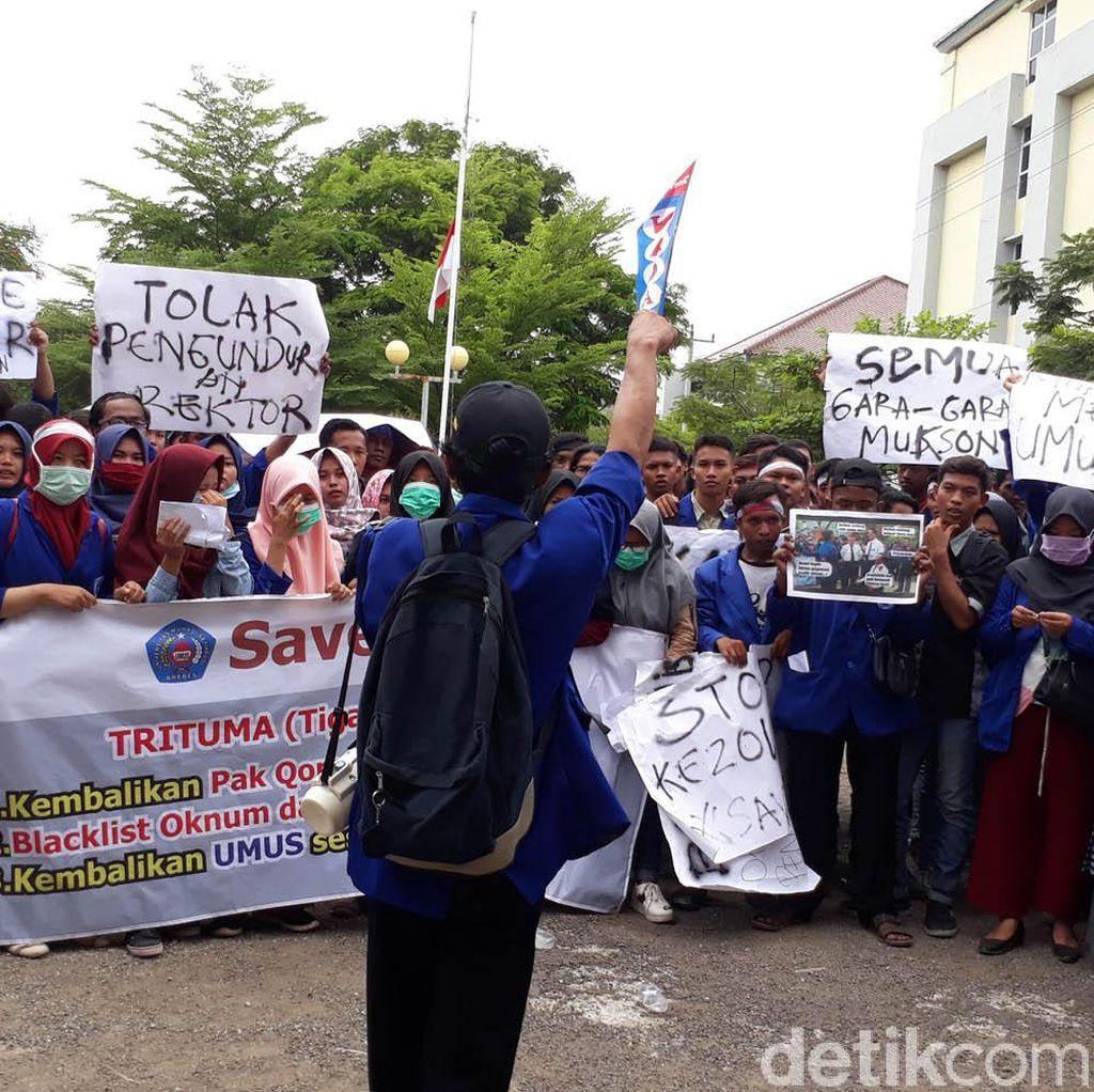 Mahasiswa Umus Demo Lagi, Minta Rektor Qomar  Kembali ke Kampus