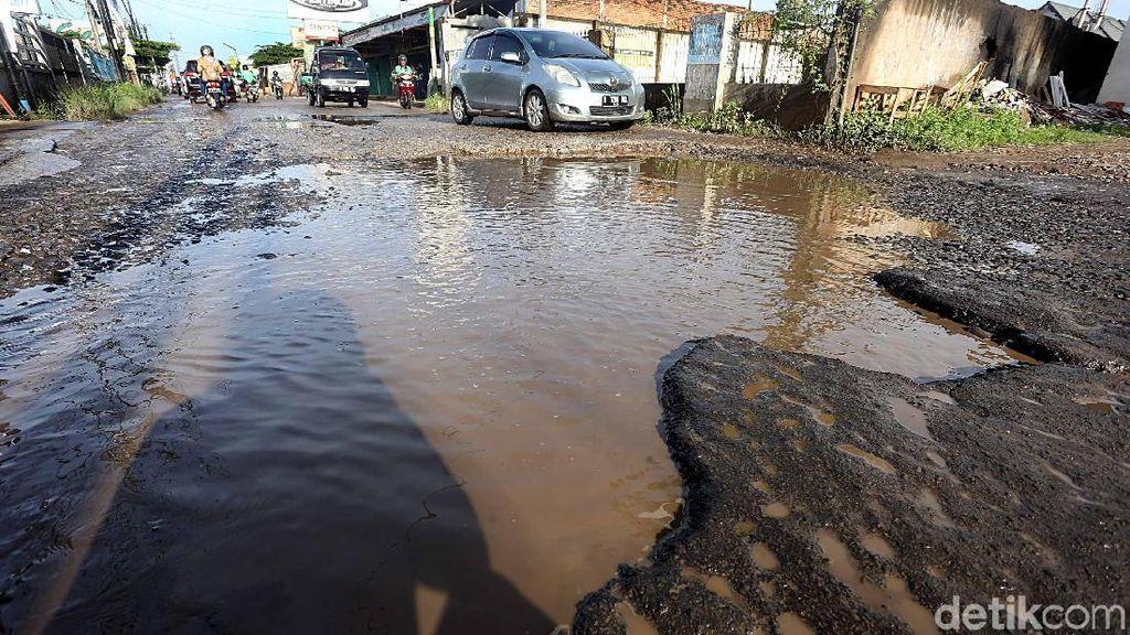 Zaman Now, Jalan di Kabupaten Bogor Ini Masih Rusak