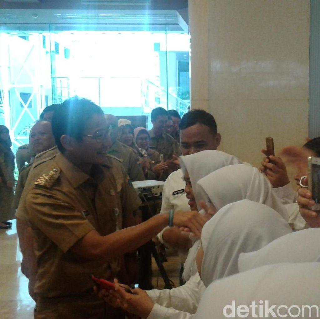 Lantik 861 PNS Pemprov DKI, Sandi: Jangan Berperilaku Koruptif!