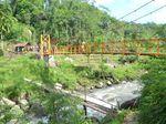 Puluhan Tahun Reyot, Jembatan di Cianjur Ini Dibangun Polisi
