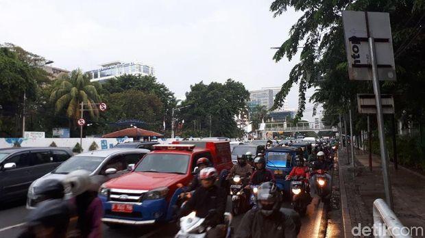Lalin di Jl Medan Merdeka Timur mulai padat