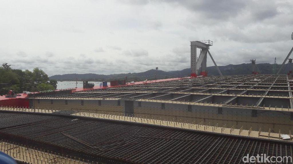 Menteri BUMN Tinjau Proyek Jembatan Holtekamp di Jayapura