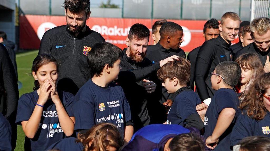 Anak-anak di Lapangan Latihan Barcelona, Juga dalam Rapat Direksi