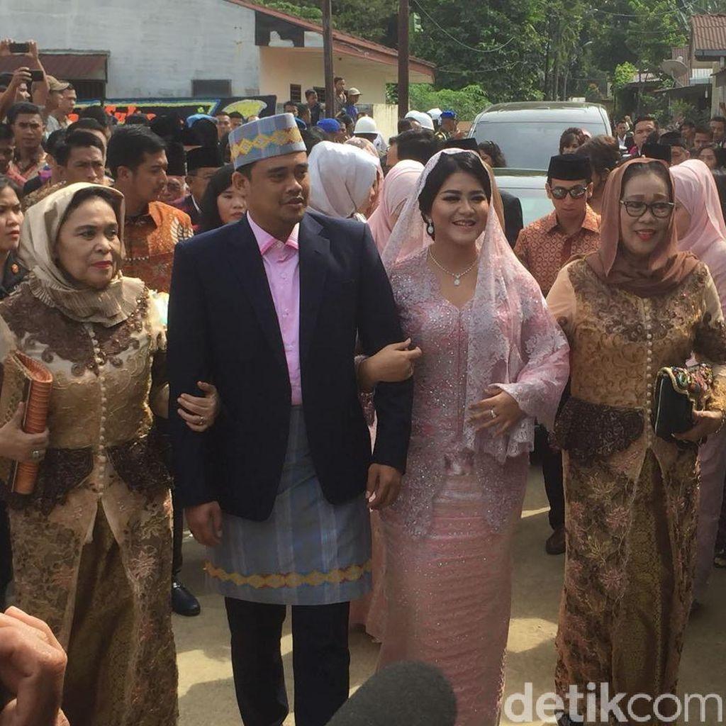 Horas! Senyum Kahiyang Putri Jokowi Jelang Diberi Marga Siregar
