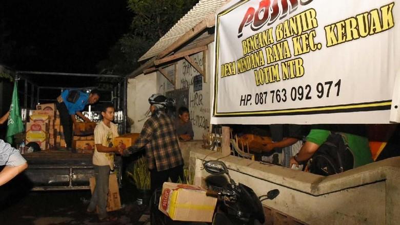 Bantuan untuk Korban Banjir Bandang di Lombok Timur