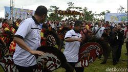 Buka Desa Teknologi, Bupati Pemalang Naik Kuda Lumping