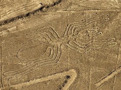 Mau Lihat Garis-garis Misterius Nazca?