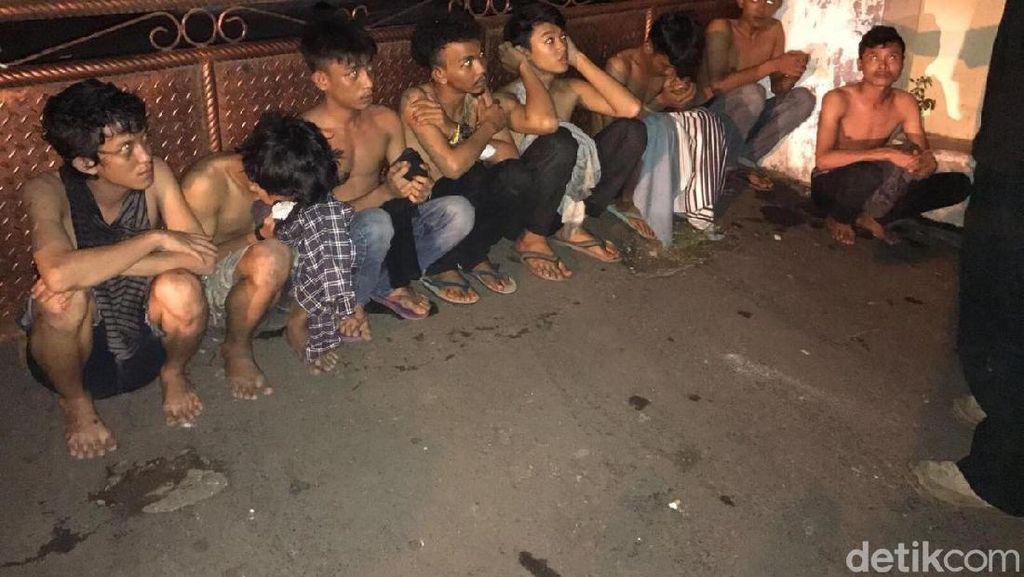 Bawa Senjata Tajam, 12 Remaja Ditangkap di Cipinang