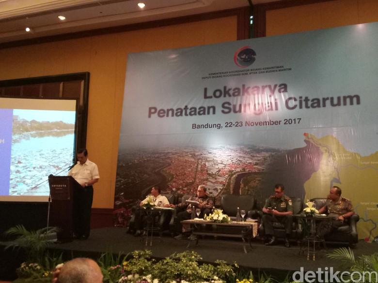 Luhut Ajak Semua Pihak Bergerak - Bandung Sungai Citarum tak pernah lepas dari Berbagai upaya sudah dilakoni pemerintah pusat dan daerah guna menyelesaikan masalah