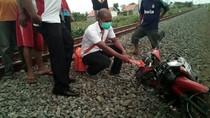 Seorang Pengendara Motor Tewas Tertabrak Kereta di Probolinggo