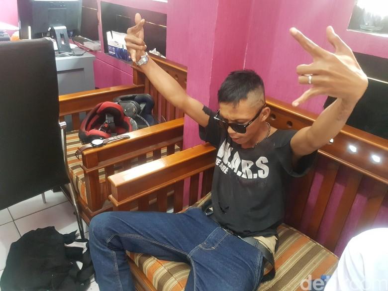 Anak Punk Sukabumi Nyelonong Kantor Polisi Cari Setya Novanto
