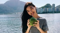 Foto: Liburannya Estelle Chen, Model China Termuda Victorias Secret