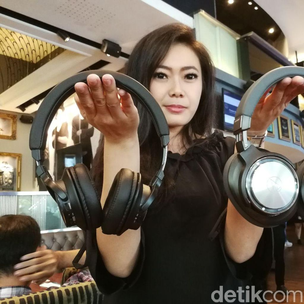 Audio Technica: iPhone Picu Tren Headphone Bluetooth